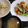 白身魚と野菜炒めもの