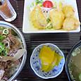 牛丼と白身魚のチリソース
