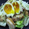 鶏肉と半熟とレタス